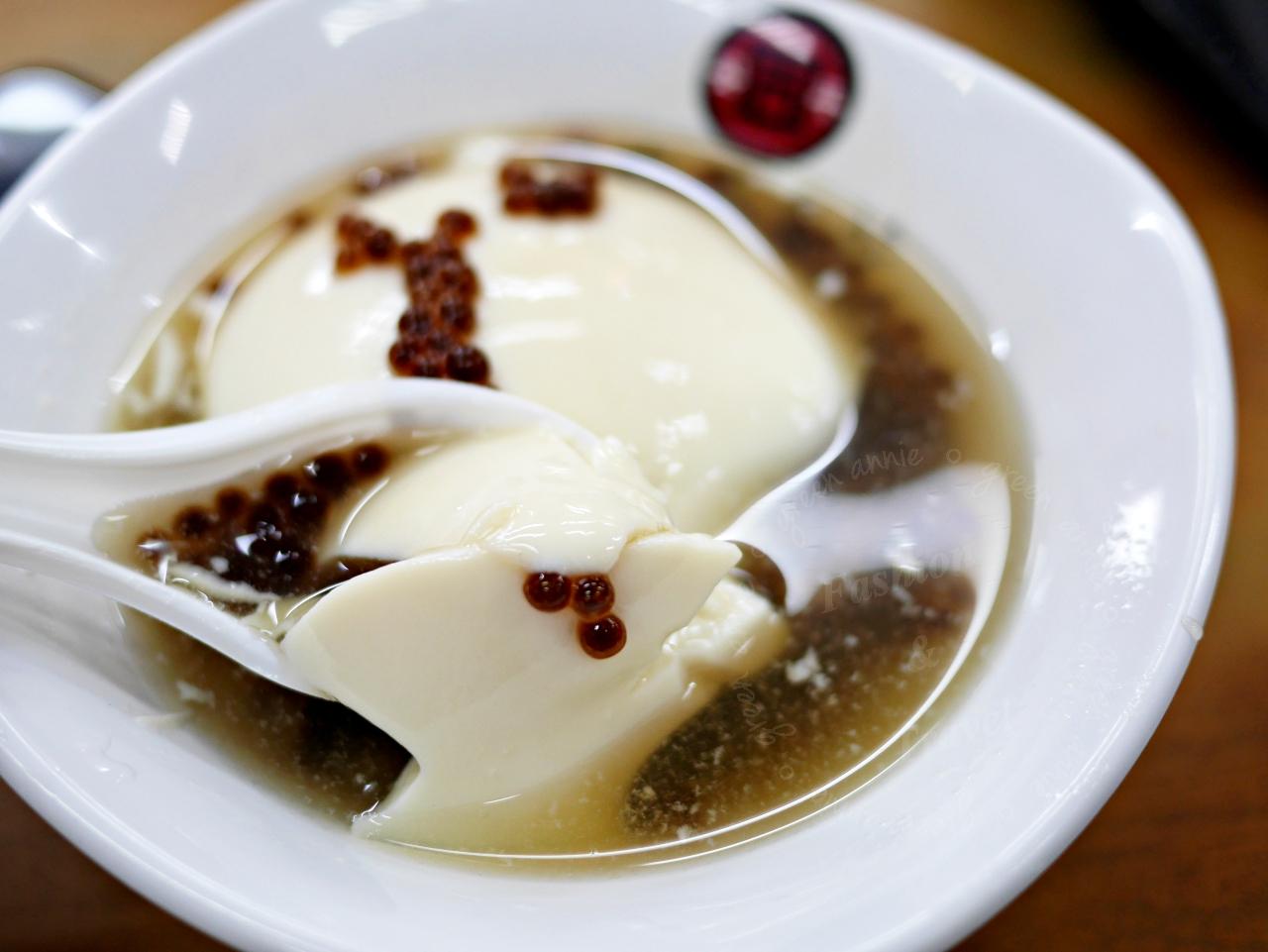 台南必吃,同記安平豆花,讓熱熱的天氣消暑一下