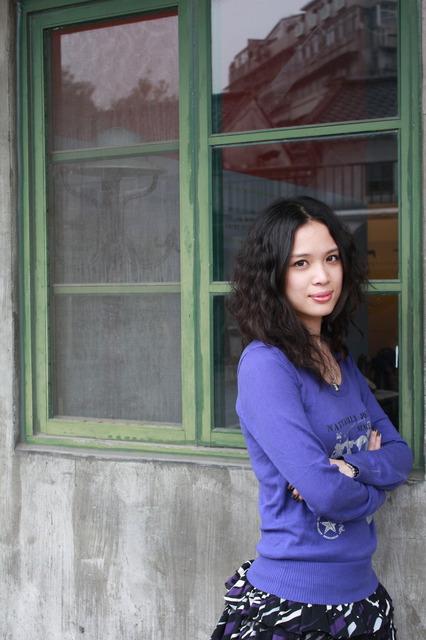 【安妮穿搭】紫色系 vs 紅唇膏(補完) @吳大妮。Annie