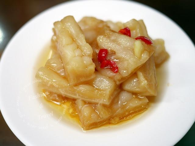 台中美食,張家麵館~不是名人也能享用的平價美食,小菜超多選擇主餐好吃 @吳大妮。Annie