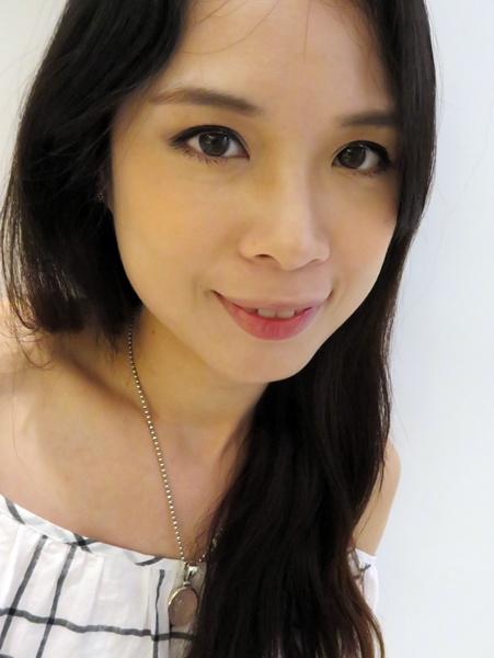 【彩粧】連韓星都愛用的品牌Jenny House~遮瑕粉底及粉餅讓整個底妝輕透薄 @吳大妮。Annie