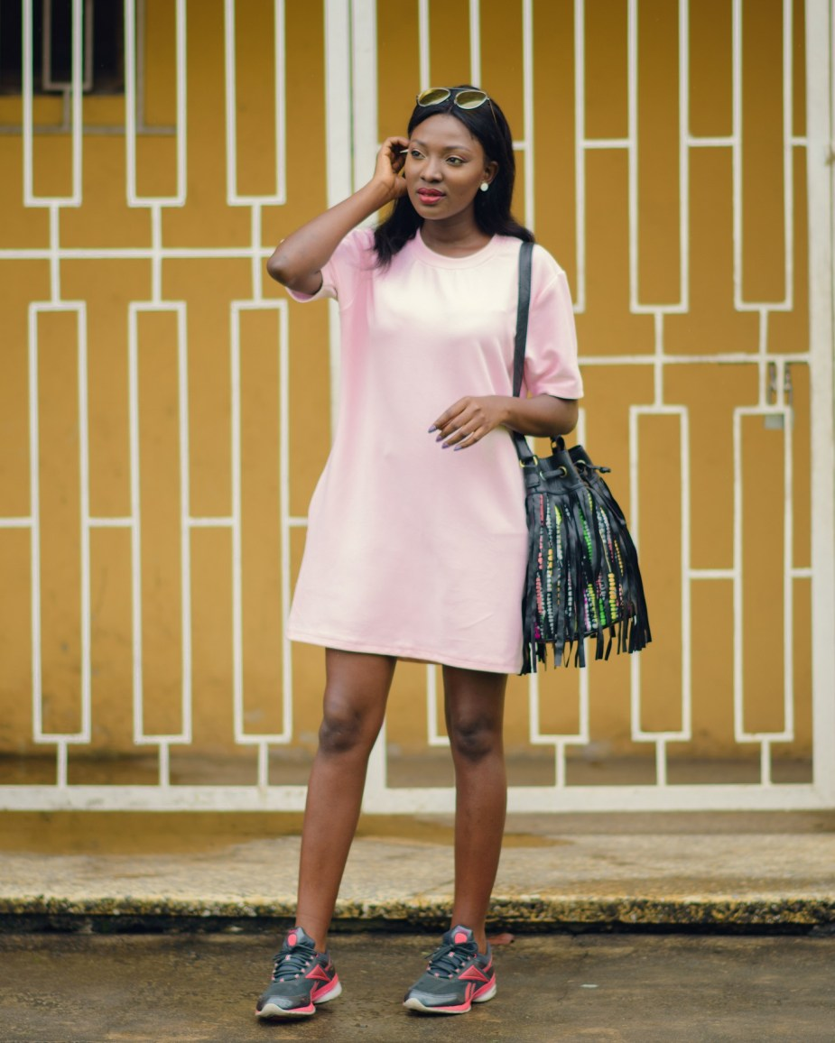 Nigerian Style Blogger Wumi Tuase Shift Dress Styling