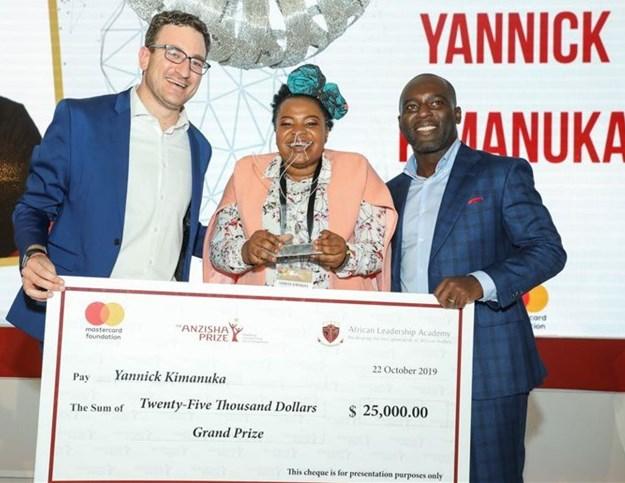 Yannick Kimanuka (centre), winner of the 2019 Anzisha Prize