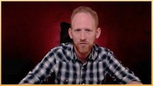 Karl Hein an seinem Schreibtisch (Screenshot aus dem Interview)