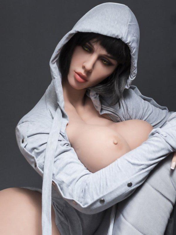 Adriana sexdoll 1
