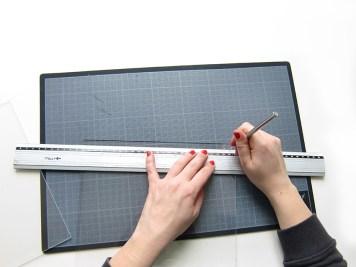 DIY - cadre sur mesure repere trou - wundertute