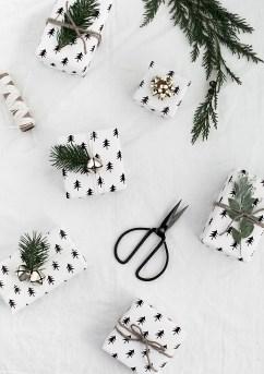 Christmas-wrapping-paper-free-printable-2