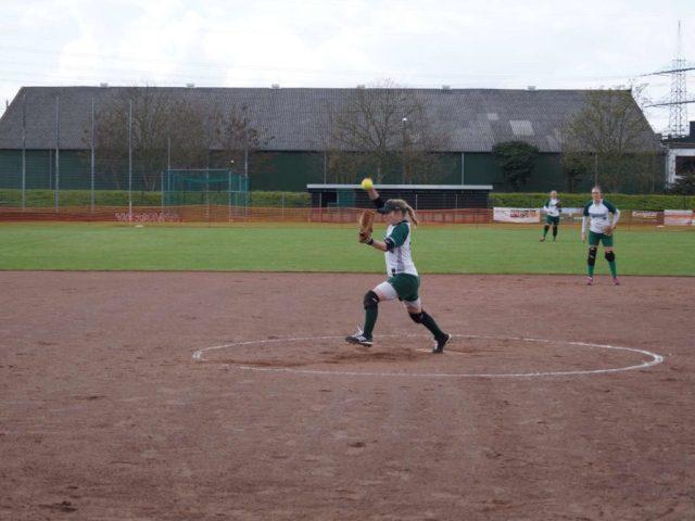 Softball-Wuppertal-Stingrays-vs-Wesseling-Vermins-04-2016