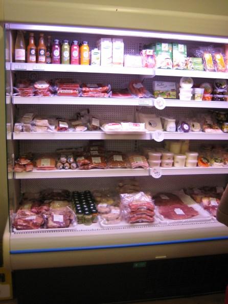 Fleisch Wurst Topfen Joghurt Milchprodukte