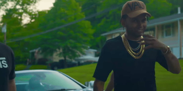 Sensato ft Joell Ortiz – Menea Menea (Video Oficial)