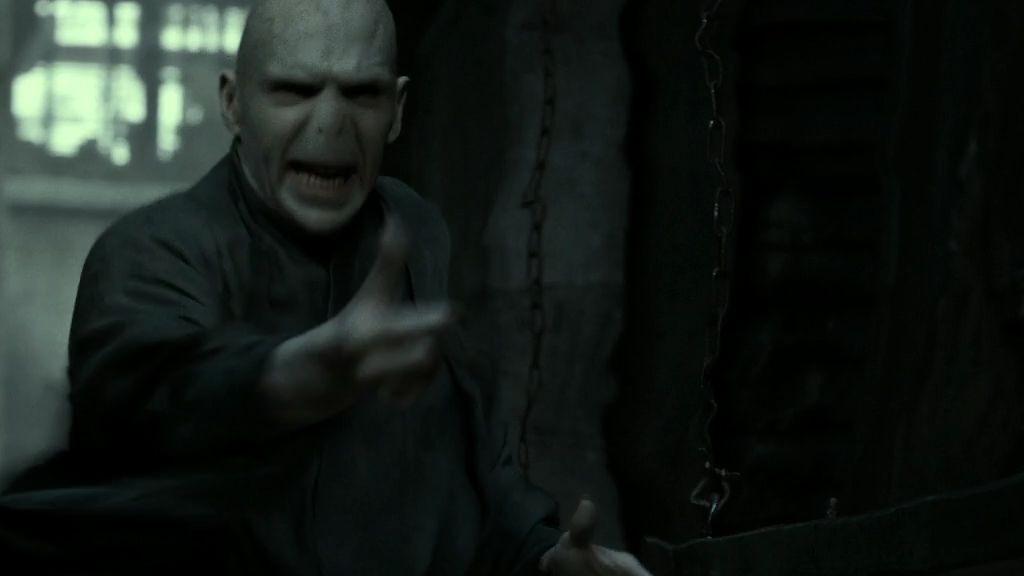 Voldemort, süpürge olmadan uçabilen tek büyücüydü