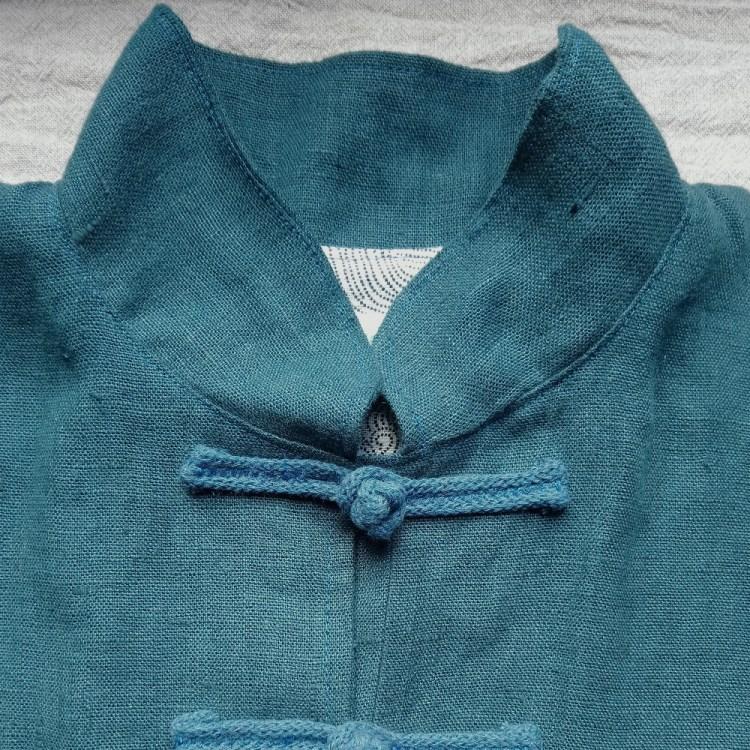 Les vestes de taiji quan et de qi gong Dao couture, en lin et cousues en France - la veste bleu de Prusse doublée