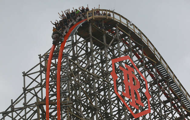 The new Iron Rattler features a 171-foot drop at a nearly vertical 81 degrees. It also has four overbanked turns (more than 90 degrees) and a top speed of 70 mph. Photo: John Davenport / San Antonio Express-News