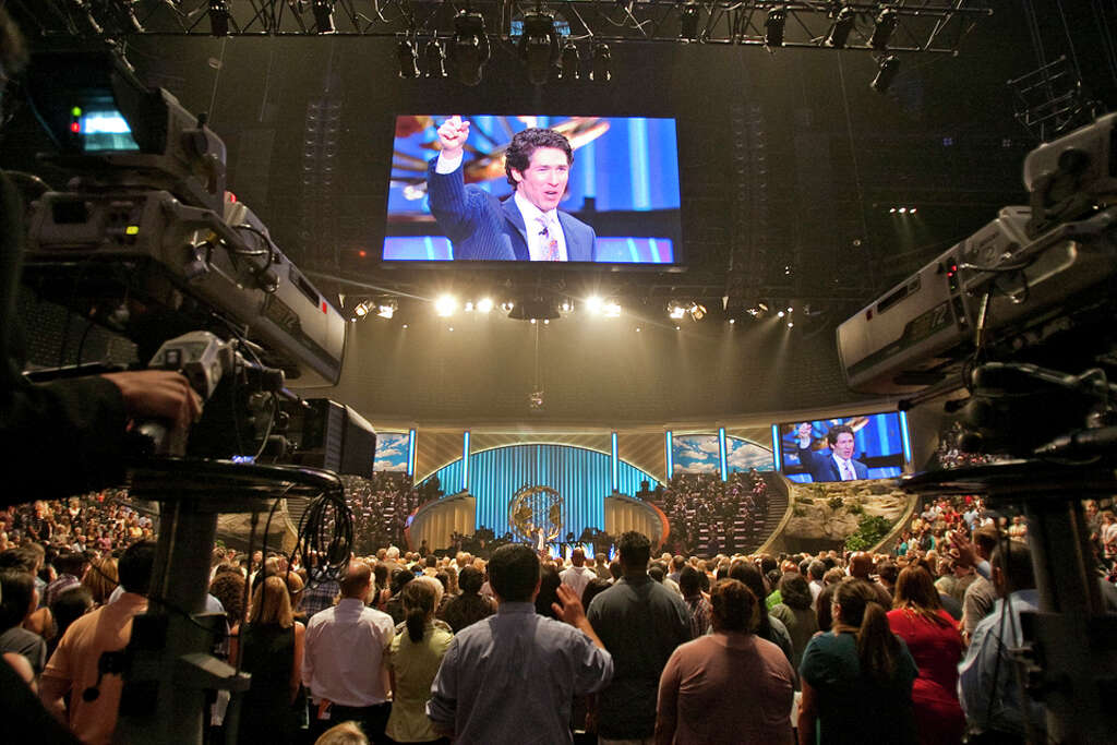 7+ million – Weekly viewers of Osteen's TV ministry. Photo: Nick De La Torre, Houston Chronicle / © 2010 Houston Chronicle