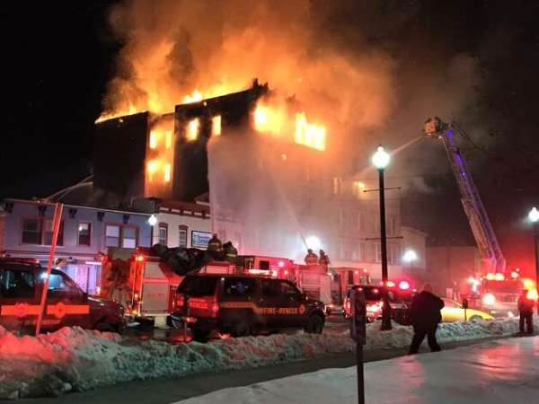 One jumps, one missing in raging Schenectady apartment ...