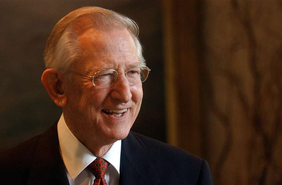 Howard E. Butt Jr., the brother of H-E-B Chairman and CEO Charles Butt and the oldest son of the grocery chain's namesake founder Howard E. Butt Sr., died Sunday at his home in Kerrville. Photo: Lisa Krantz /San Antonio Express-News / SAN ANTONIO EXPRESS-NEWS