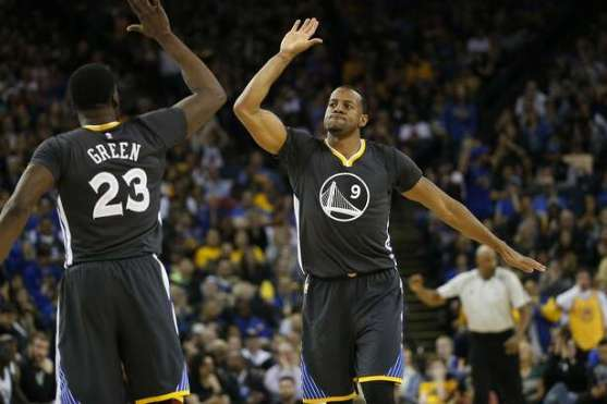 Image result for Golden state warriors win over milwaukee march 20th 2017