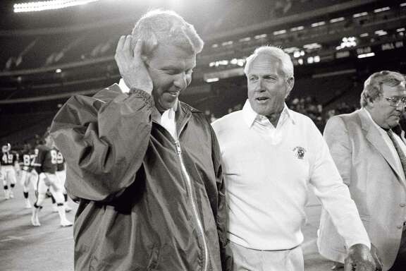 With Mark Stevens, top, subbing for Joe Montana, 49ers head coach Bill Walsh, above right, beat Giants head coach Bill Parcells, above left, using replacement players in 1987.