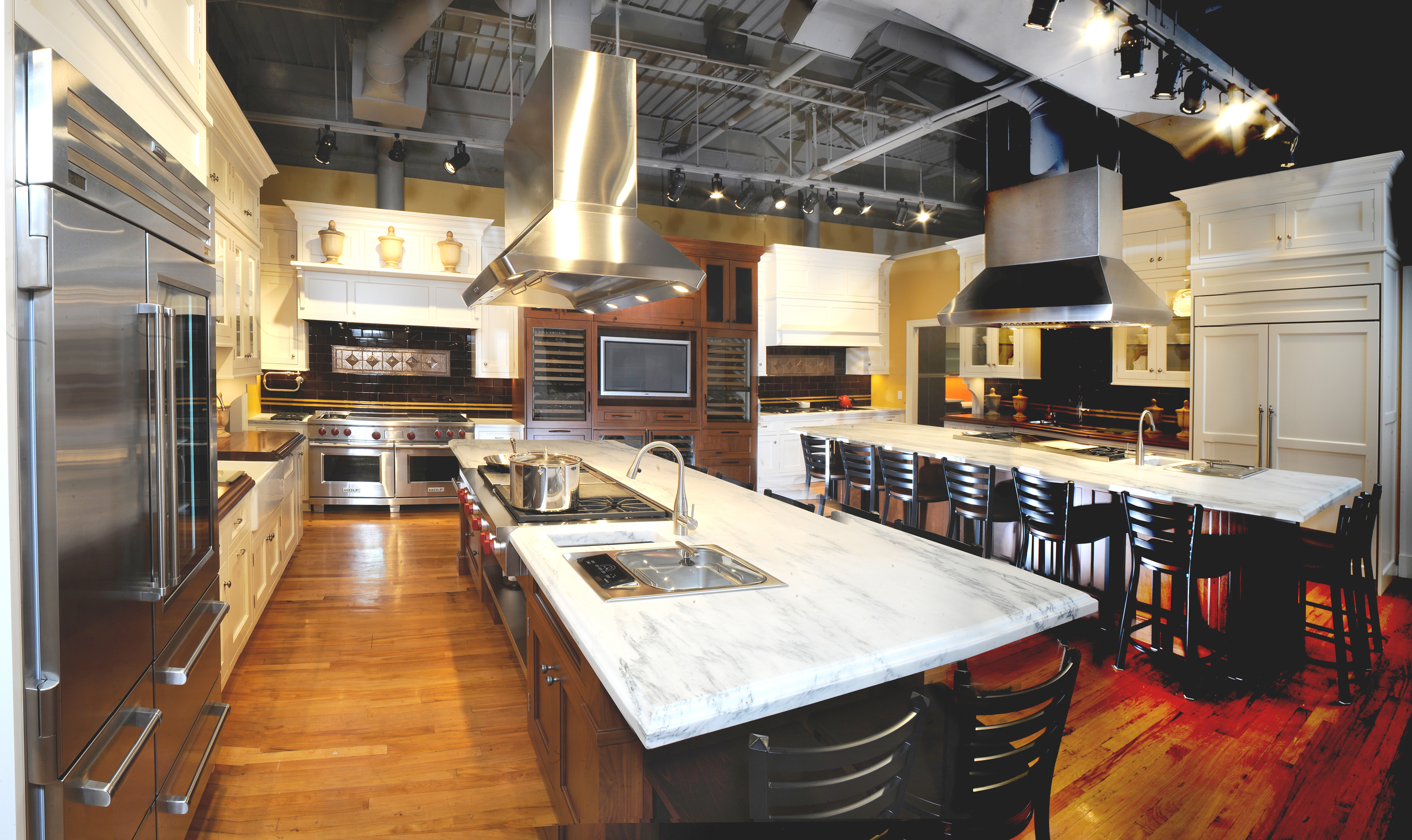 Sub Zero Amp Wolf Appliance Showrooms Host Two Great 2010