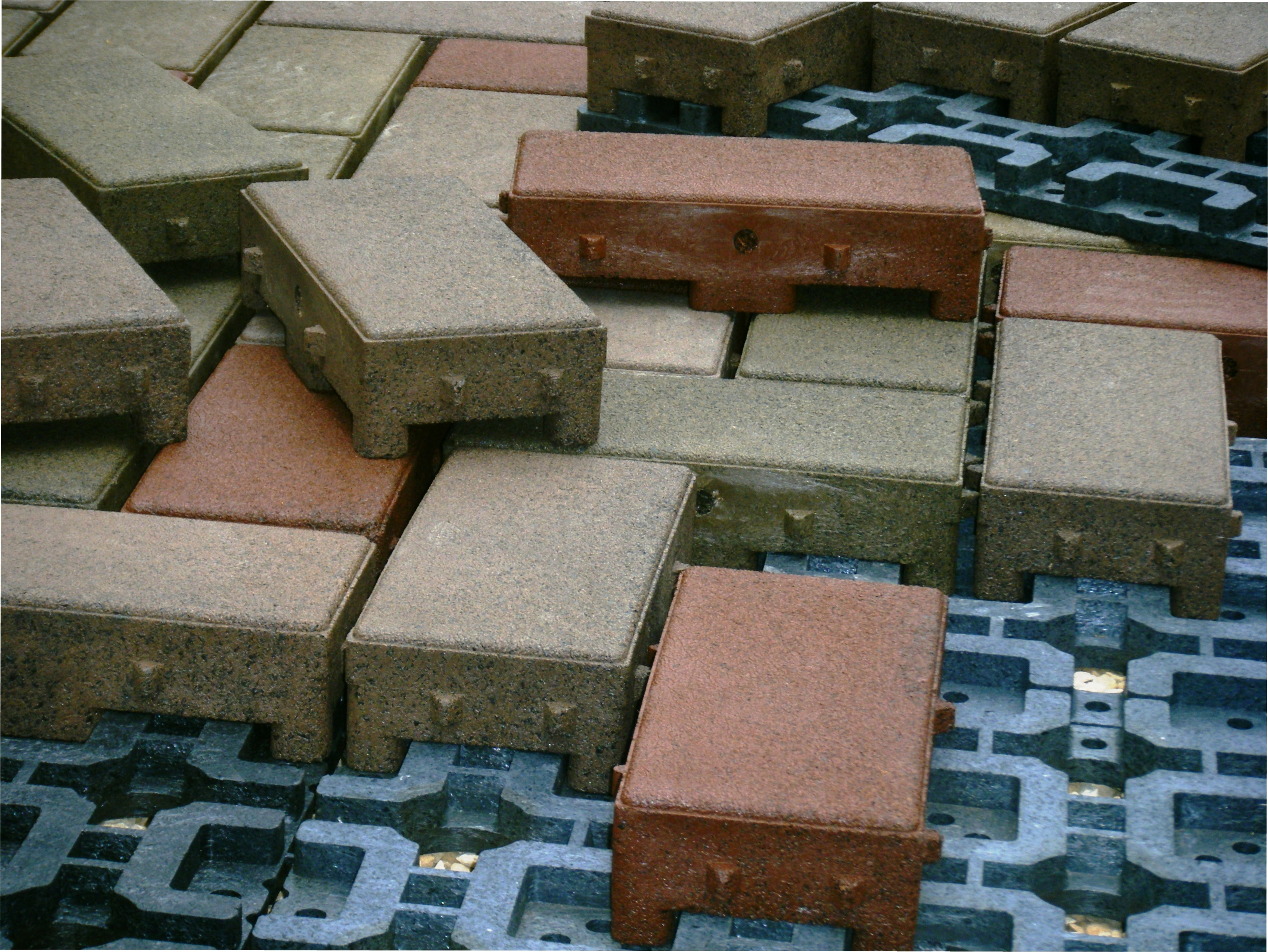 Vast 174 Composite Permeable Pavers Win Second 2010