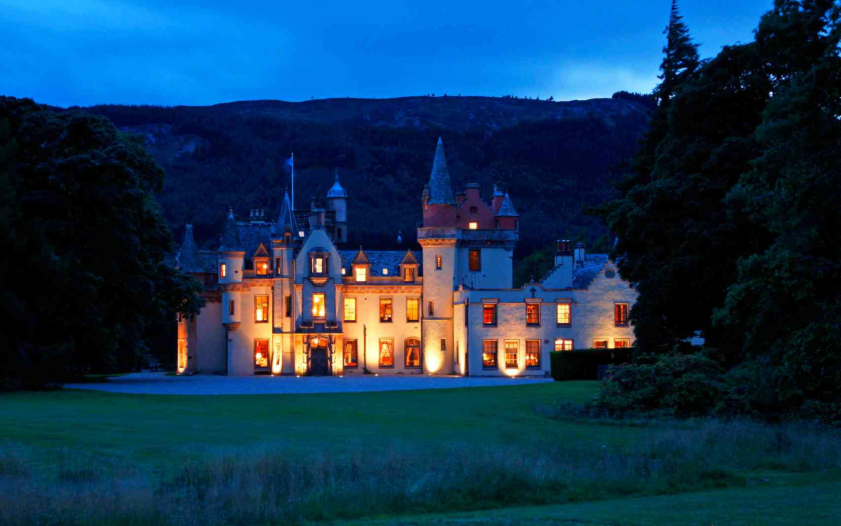 Cottages Manor Houses Apartments And Private Castles In