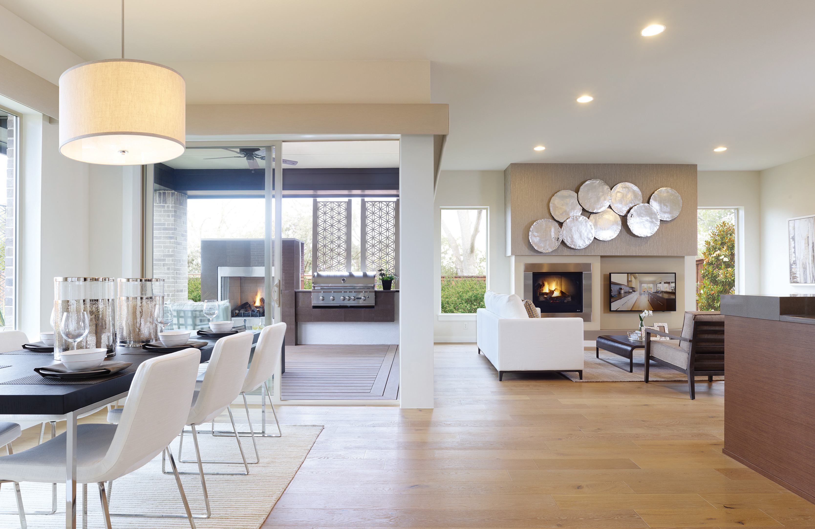MainVue Homes Brings Modern Style, Feature-Rich Homes to ... on Modern Style Houses  id=16876