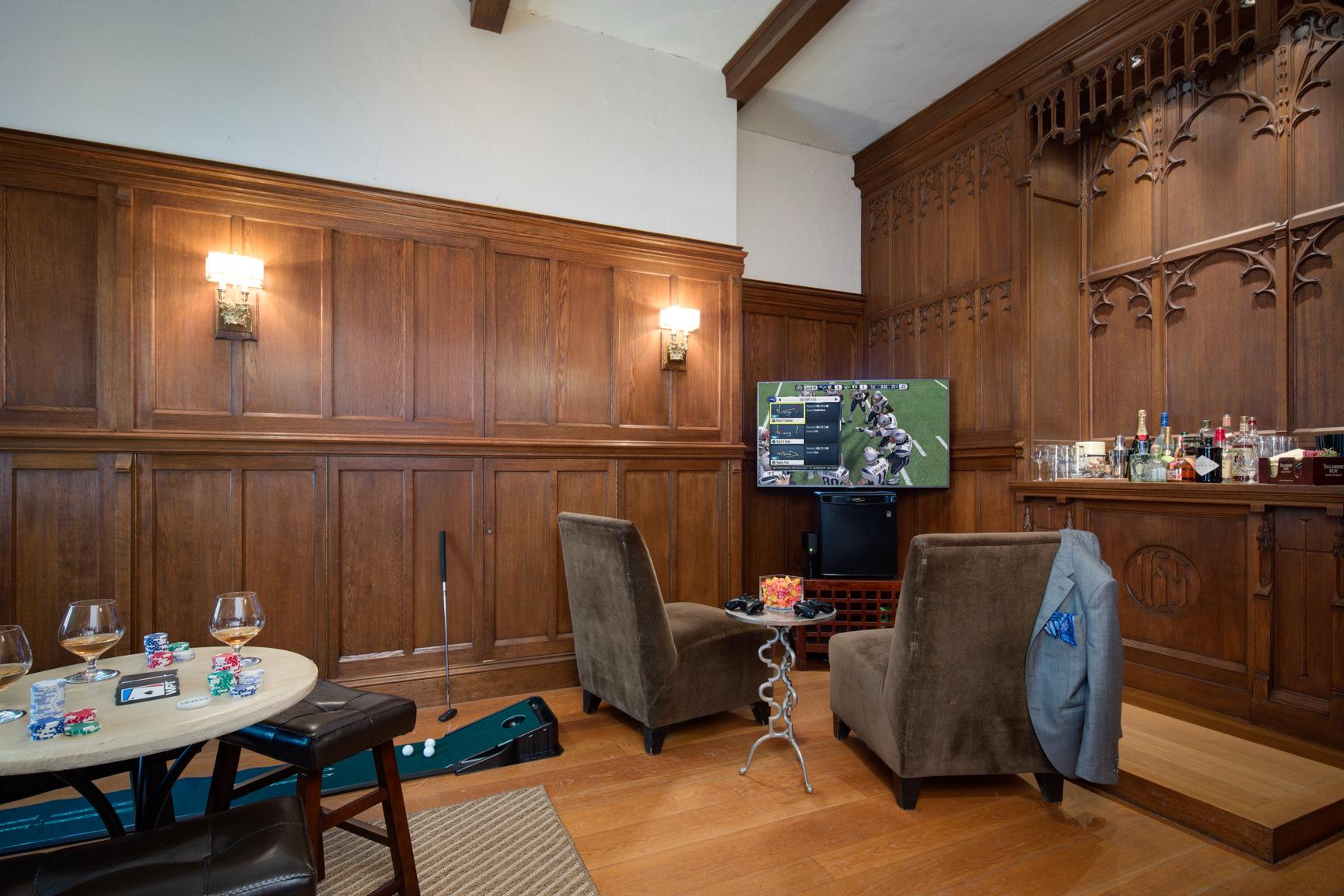 Hotel Viking Of Newport Rhode Island Creates Grooms