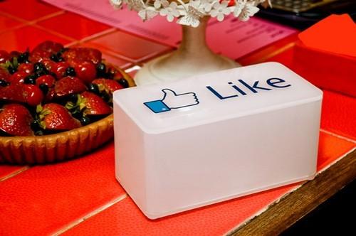 酷设计Facebook Like 实体按钮,赏个脸吧[7p]