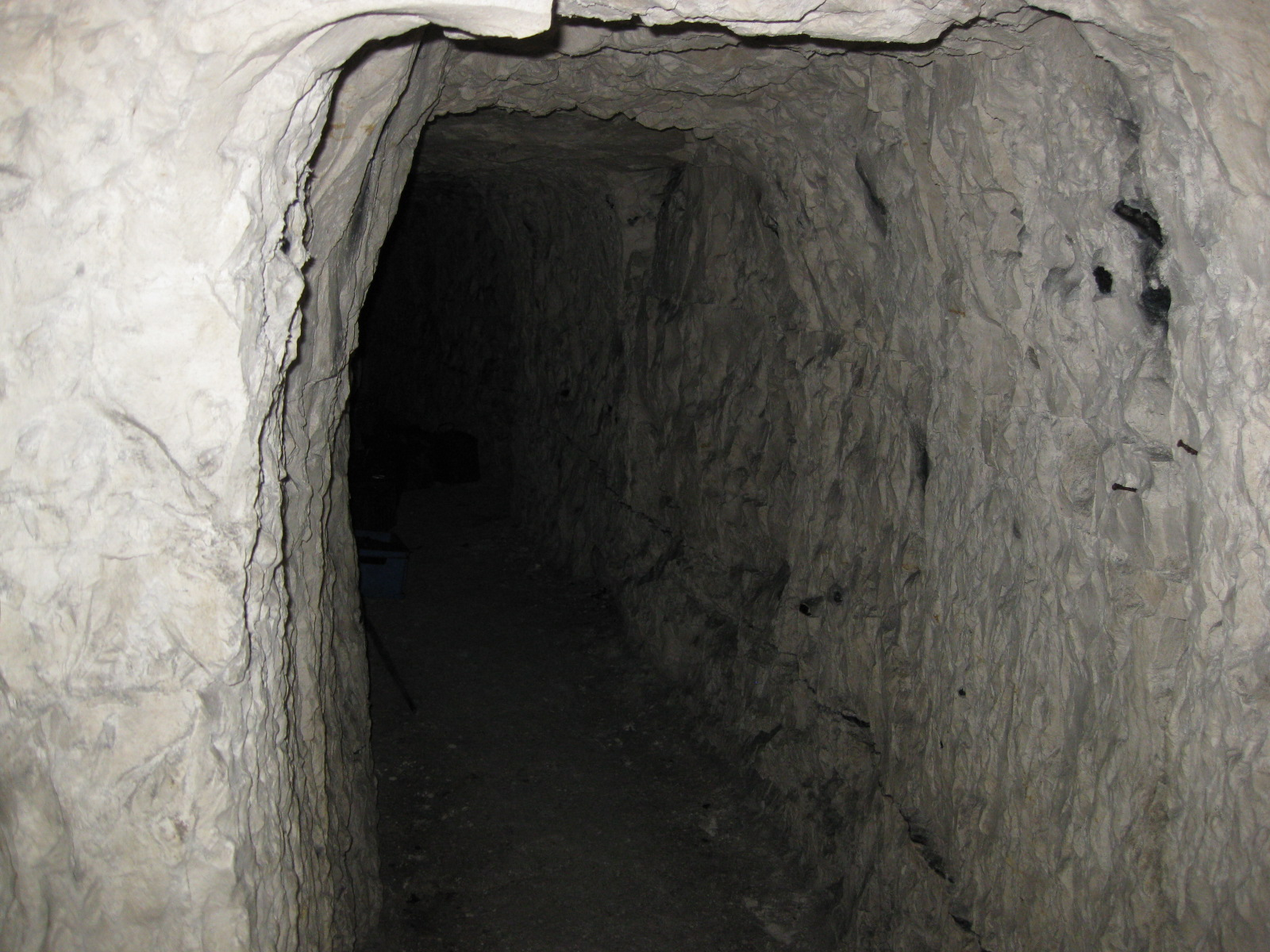 One of the many tunnels linking the quarries