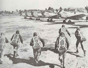 Pilots of the Chinese Flying Tigers are running to their planes.