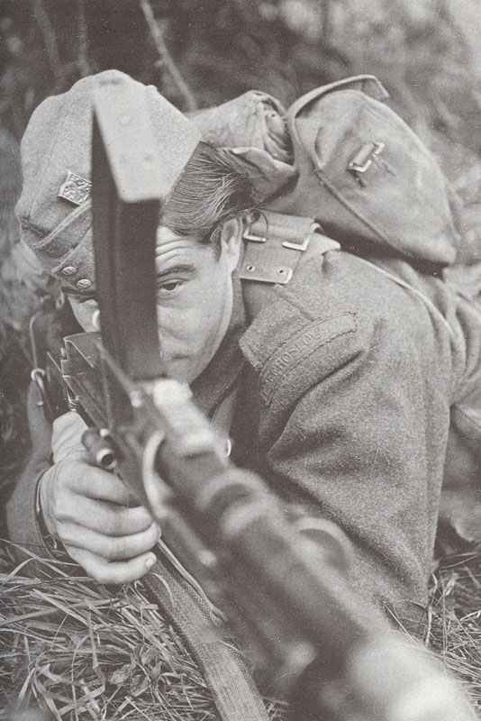 Czech soldier on exercise in Britain