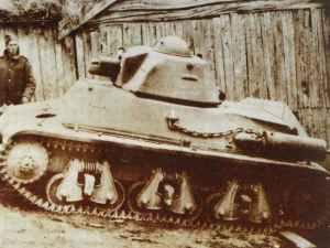 Hotchkiss H-35 tank.