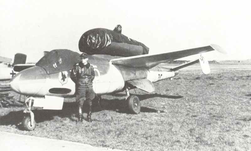 Heinkel He162 Salamander jet fighter of I.Gruppe, Jagdgeschwader 1