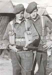 British soldiers with a Mk 2 Sten gun.