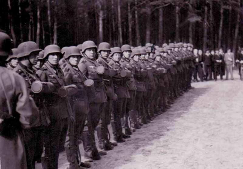 Wehrmacht soldiers in training