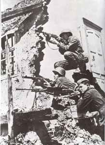 Russian sub-machine gunners with PPSh protect the squad machine gunner