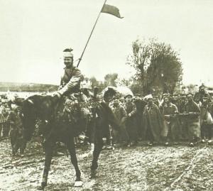 German cavalrymen escort Russian prisoners