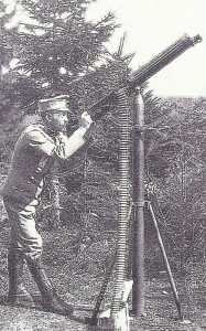 Austria-Hungarian soldier with an AA-MG