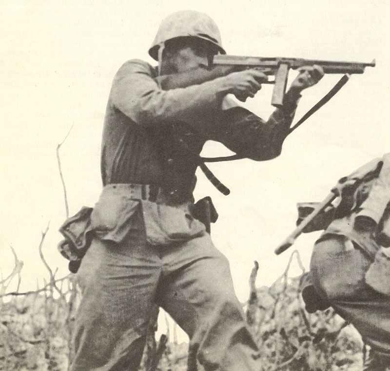 Thompson sub-machine gun > WW2 Weapons