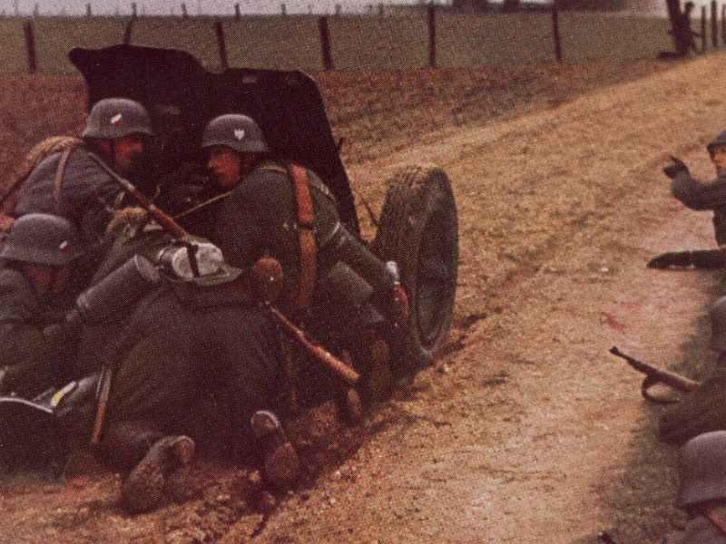 German 3.7cm PAK in action