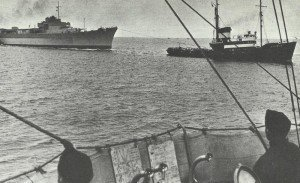 Lützow is towed to Leningrad