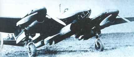 open bomb doors of late Pe-2
