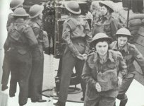 British women anti-aircraft helpers