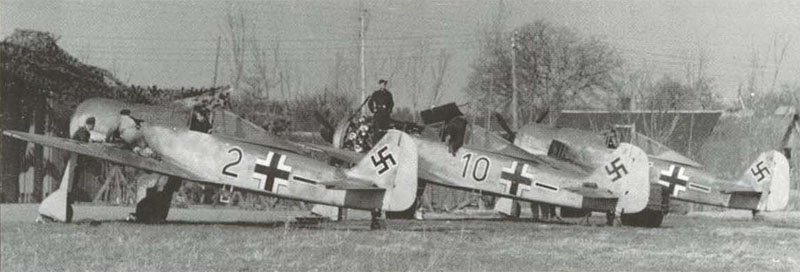 Fw 190 A-2 and A-3 of JG 26
