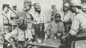 Petain with complaining soldiers
