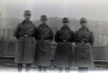 This photograpy of the author's grandfather most likely comes from Norway and shows some Norwegians in uniforms.