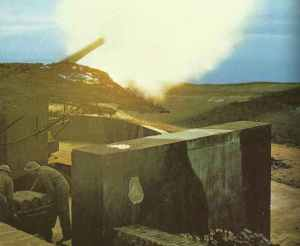British heavy shore artillery gun