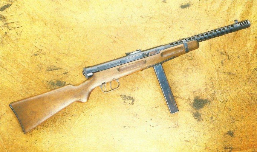 Beretta sub-machine gun Model 1938A