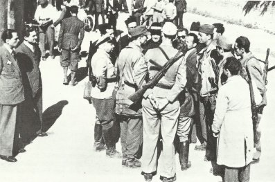 Italian partisans in 1944 with Beretta sub-machine guns