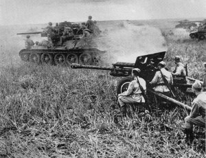 T-34 tanks supported by 76m field guns