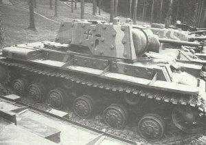 KV-1E captured by the Finns